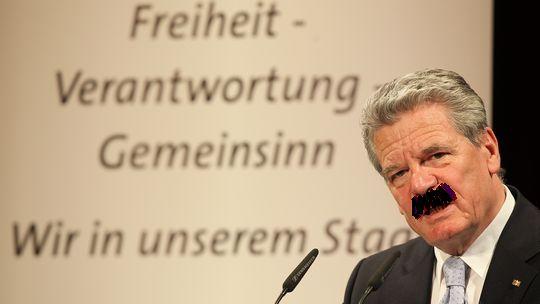 joachim-gauck-mit-schnaeuz