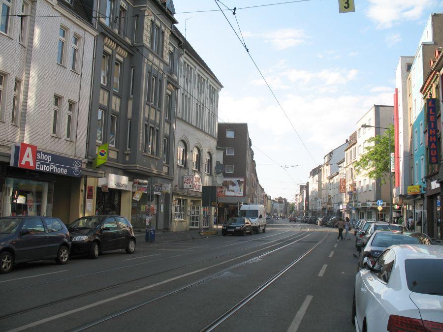 Duisburg-Hochfeld, Wanheimer Straße