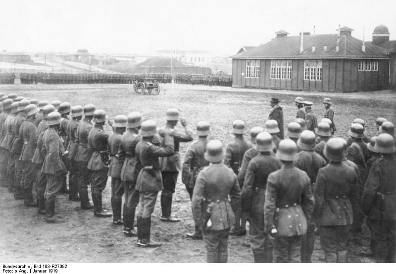 Berlin, Gustav Noske beim Freikorps Hülsen